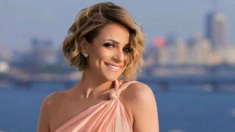 أنباء عن استعداد ريم البارودي للاحتفال بزفافها خلال أيام