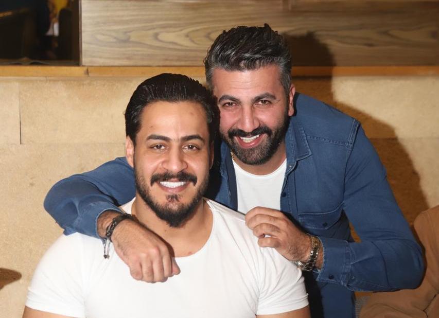 المخرج محمد شموري يحتفل بعيد ميلاده بحضور نجم ذا فوبس كرار صلاح والمخرجة رندلى قديح