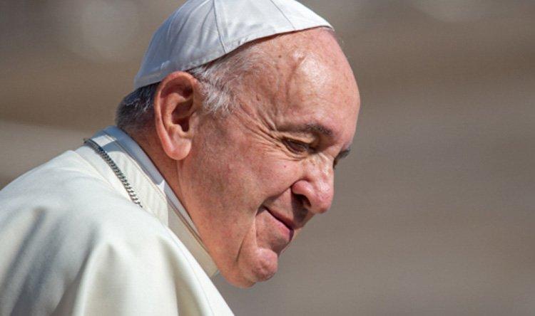 البابا فرنسيس يشرع خدمات كنسية تقوم بها نساء