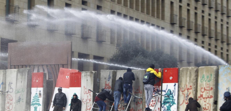 انفجار اجتماعي في الربيع.. انتفاضة وخطَر صدام طائفي!