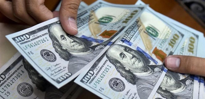 الدولار يرتفع من جديد في السوق السوداء.. إليكم سعره مساء اليوم