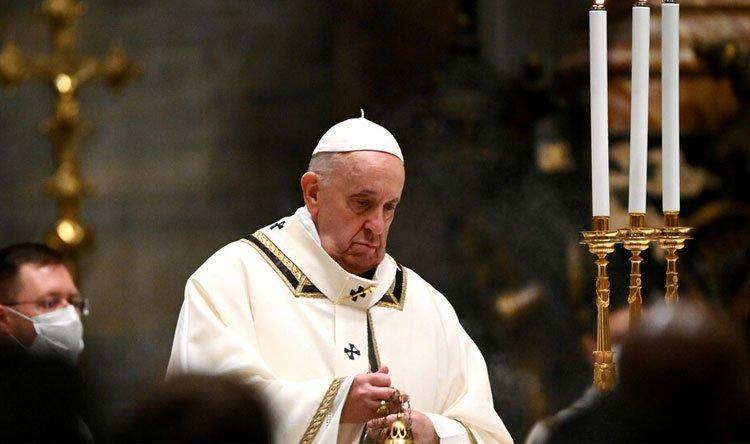 البابا فرنسيس حزين