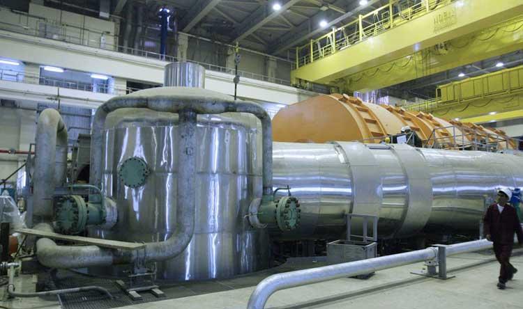 إيران تلوح برفع نسبة تخصيب اليورانيوم إلى 90٪