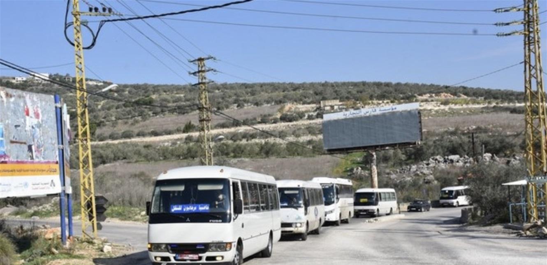 وقفة لسائقي الباصات في حاصبيا احتجاجا على قرار منعهم من العمل