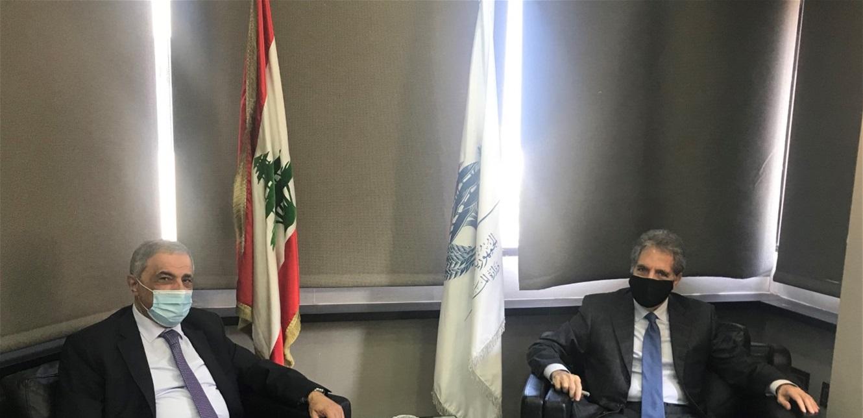 وزني وقّع عقد تخصيص عقار لصالح وزارة الصحة