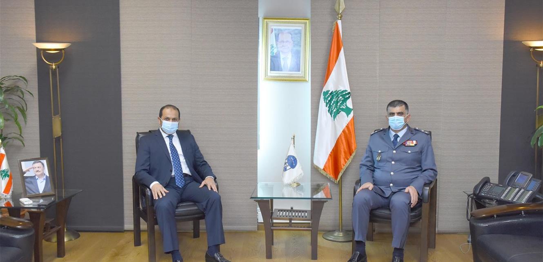 عثمان استقبل سفير الامارات مودعا