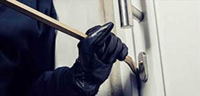 في عرمون.. سرقة بقيمة 4 آلاف دولار من داخل منزل والقوى الأمنية بالمرصاد