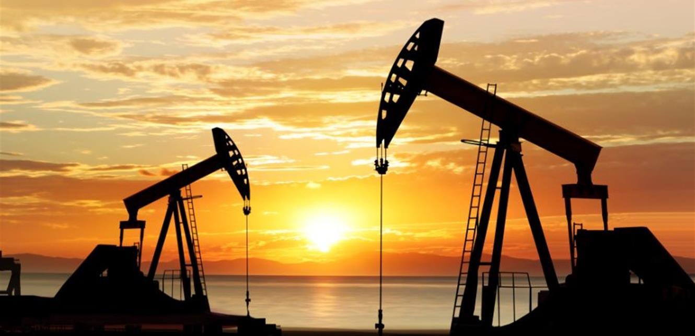 أسعار النفط تلامس أعلى مستويات منذ أشهر