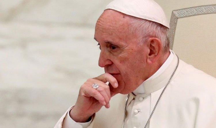 """وفاة طبيب البابا فرنسيس الشخصي بـ""""كورونا"""""""