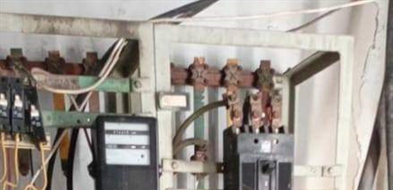 سرقة كابلات من محطة تحويل كهرباء في طرابلس (صورة)