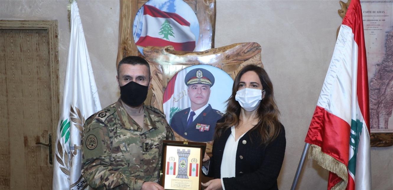 وزيرة الدفاع تفقدت فوج الحدود البري الأول على الحدود الشمالية