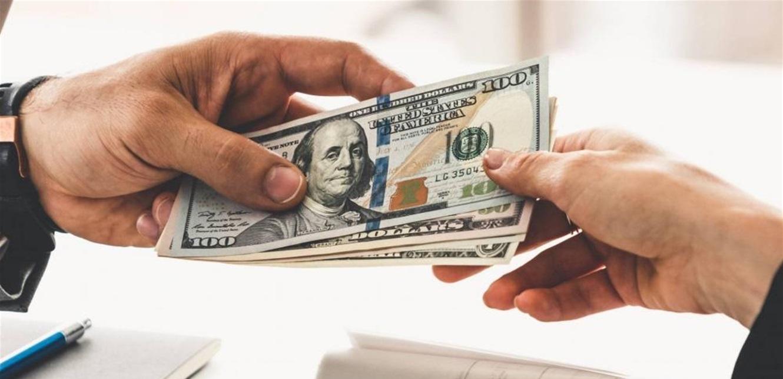 الدولار يُحلّق صوب الـ9000… لماذا تتدهور الليرة قُبيل الإقفال العام؟