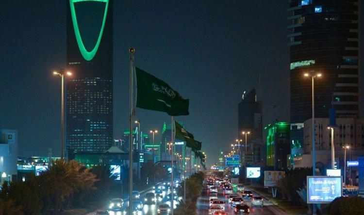تراجع طفيف بإصابات كورونا في السعودية