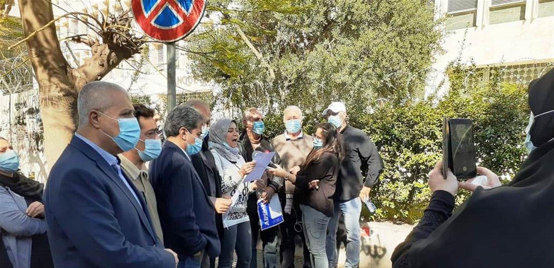 جمعية أهالي الطلاب في الخارج: هل سمعتم بوطن يشرد أبناؤه؟