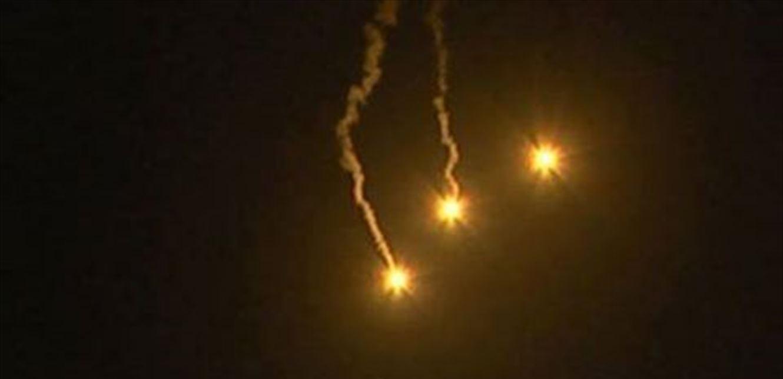 العدو الاسرائيلي يلقي قنابل مضيئة مقابل رأس الناقورة.. هذا ما أعلنه الجيش