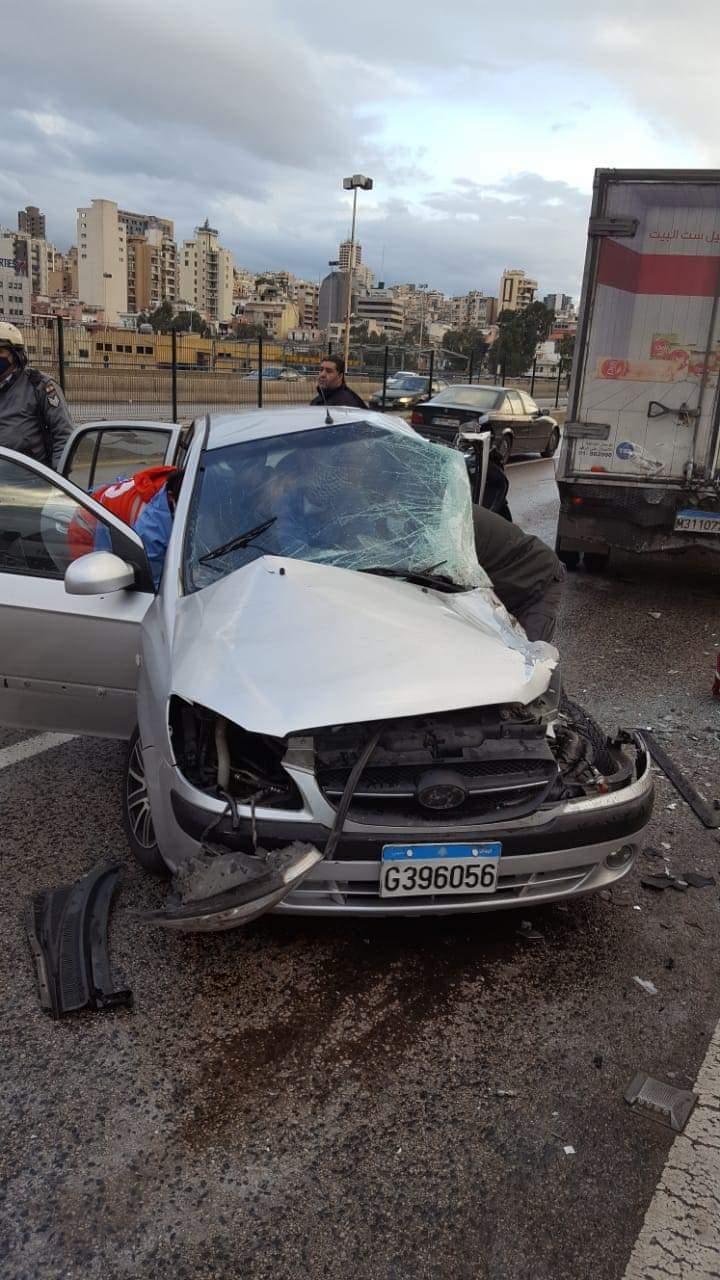 قتيل بحادث مروع على أوتوستراد الكرنتينا (صورة)
