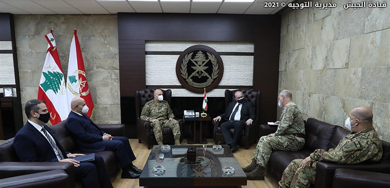 قائد الجيش التقى القائم بأعمال السفارة البريطانية