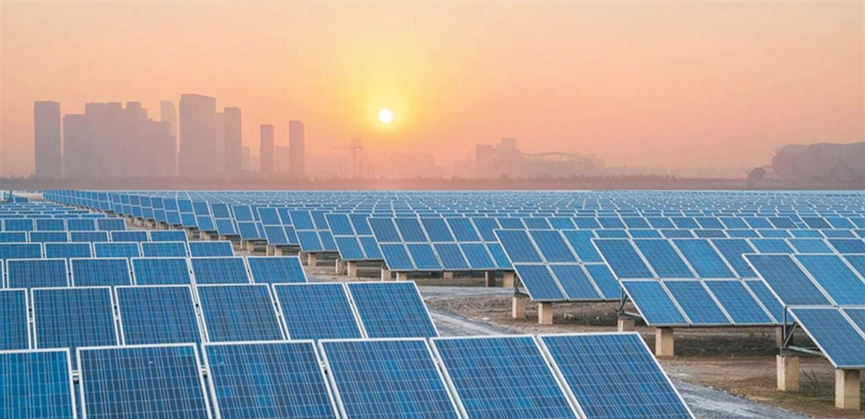الجزائر يطور مشاريع ألطاقة الشمسية