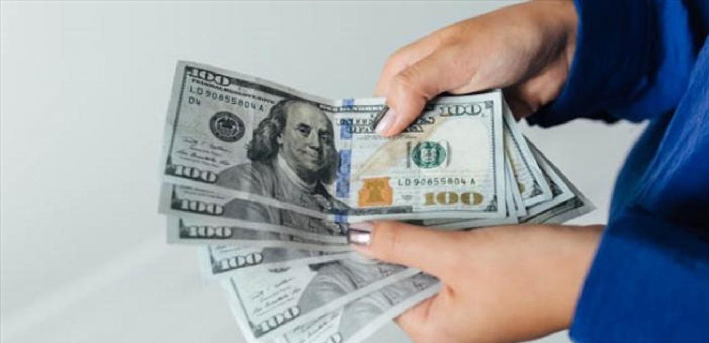 في بداية الأسبوع.. كيف افتتح الدولار في السوق الموازية؟