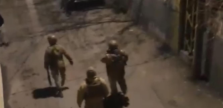 إطلاق نار باتجاه سيارة ابن رئيس بلدية في عكار (فيديو)