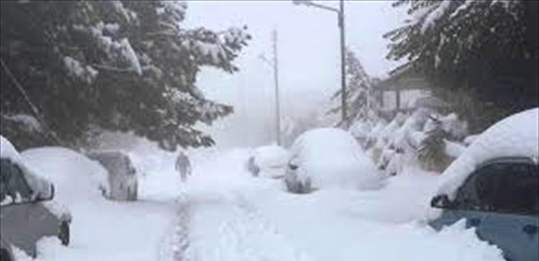 الطقس العاصف مستمر لليوم الثالث.. والثلوج تقطع هذه الطرقات