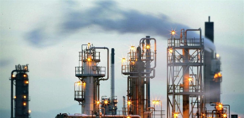 تجاهل بيانات 'مهمة' يقود أسعار النفط إلى الانخفاض