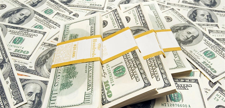 الدولار يواصل تحليقه في السوق الموازية.. إليكم سعره مساء اليوم