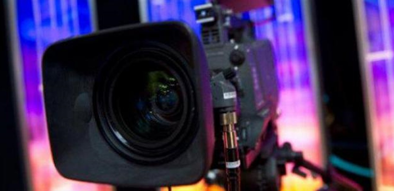 إعلامي لبناني يعلّق على عدم تلقي الرؤساء الثلاثة لقاح كورونا