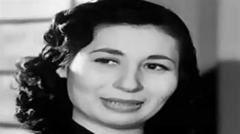 فنانة شهيرة عرفت بـ'خطافة الرجال' أشهرت إسلامها وطلبت حرق كل أعمالها