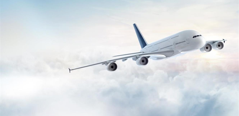 مضيفة تكشف ما يحدث إذا مات شخص على متن طائرة أثناء تحليقها!