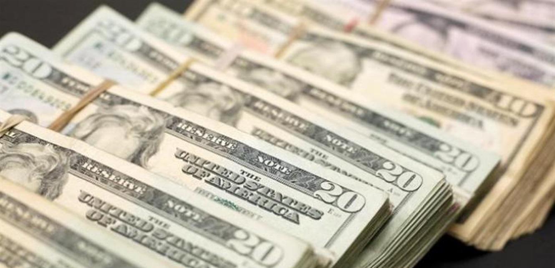 الدولار يواصل ارتفاعه ليُقارب عتبة الـ 9000.. إليكم كم سجّل في السوق الموازية
