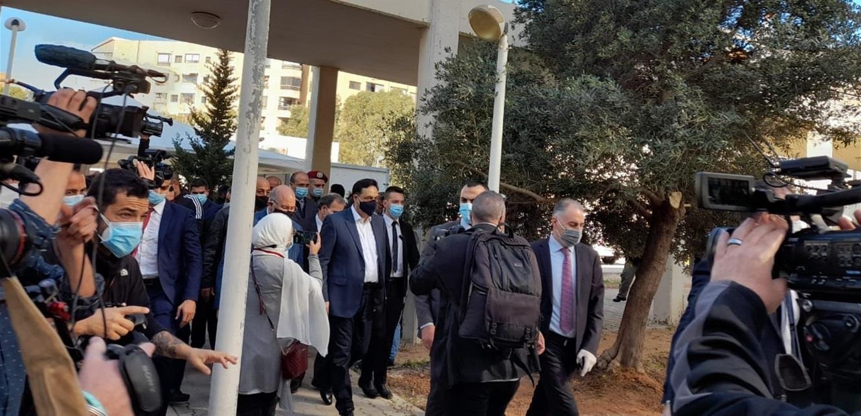 انطلاق عملية التلقيح ضد كورونا في مستشفى الحريري الجامعي