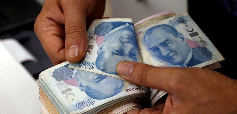 الليرة التركية تهبط.. وما علاقة صهر أردوغان؟