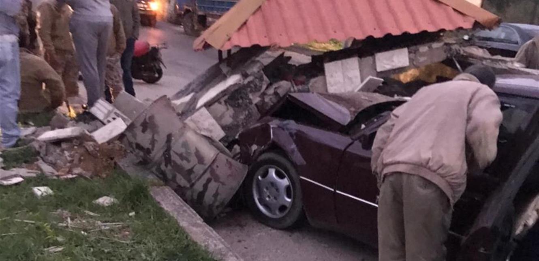 اصطدام سيارة بنقطة للجيش على طريق عام مجدليا – زغرتا