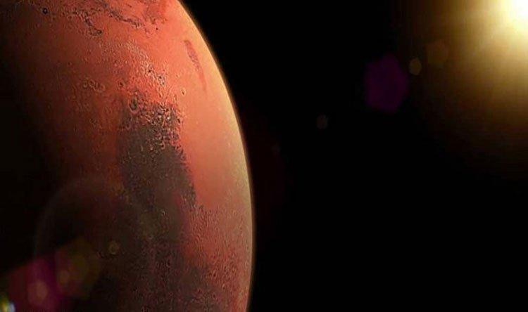 """بالفيديو: الروبوت الجوّال """"برسفيرنس"""" يهبط على سطح المريخ"""