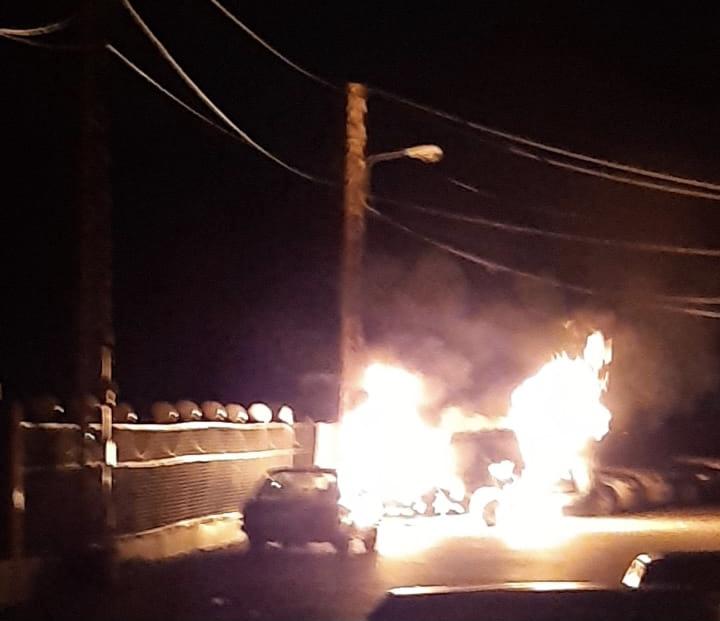 احترقت سيارته في الضنية (صورة)
