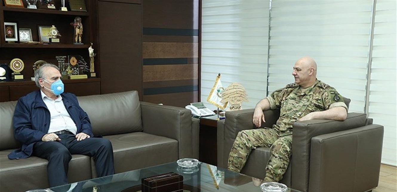 قائد الجيش عرض مع رحمة شؤون محافظة بعلبك الهرمل