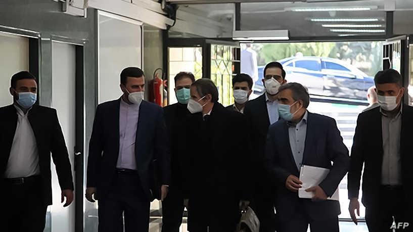 غروسي يبدأ اجتماعاته في طهران