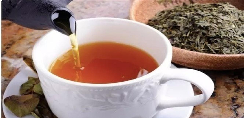 أسباب تدفعك لعدم تناول الشاي الأخضر على معدة فارغة
