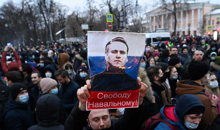 """القضاء الروسي يدين المعارض نافالني بتهمة """"التشهير"""""""