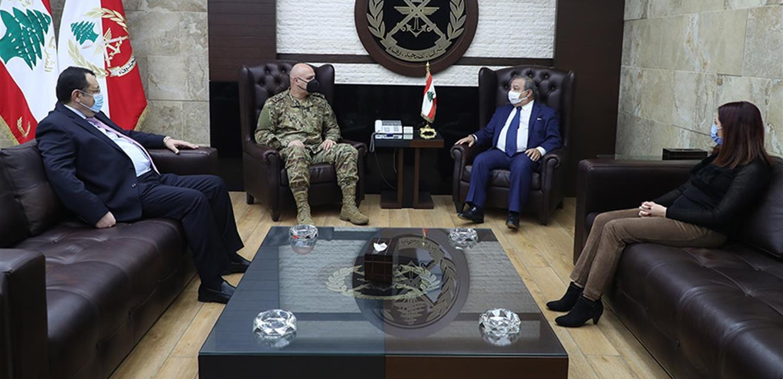 قائد الجيش عرض الاوضاع مع نقيب الصحافة