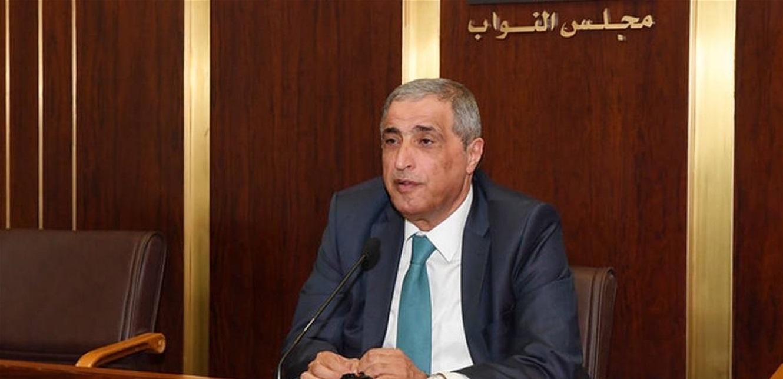 هاشم: التعنت والتمسك بالمصالح الفئوية سيأخذ الوطن الى الانهيار الشامل