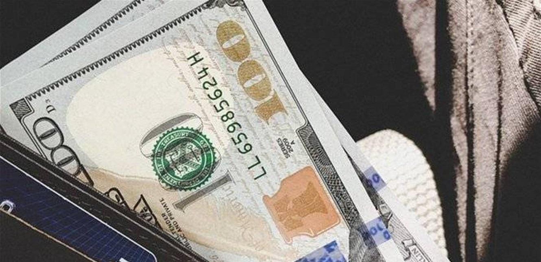 يقومان بترويج الاوراق النقدية المزيّفة من العملتَين السورية والأميركية.. هل وقعتم ضحيتهما؟