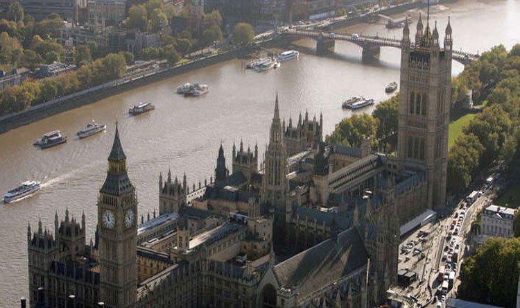 بريطانيا تسجل أكثر من 4800 إصابة جديدة