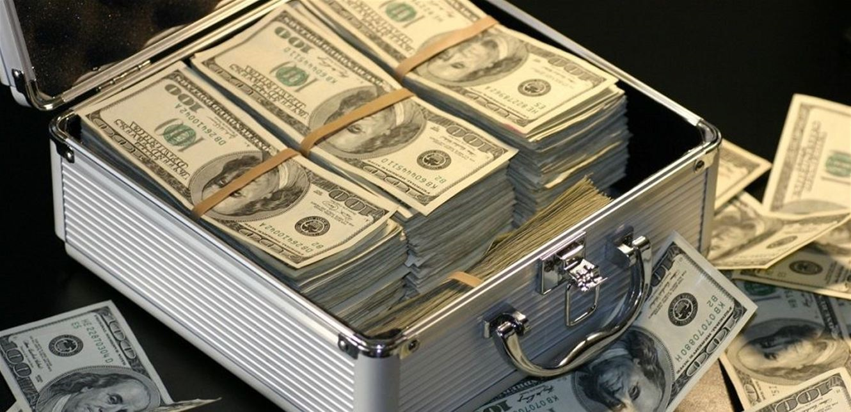 أغنى عائلة تربح 3 ملايين دولار في الساعة.. من هي؟