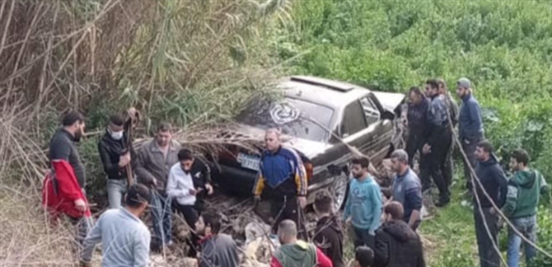 وفاة سيدة وجرح زوجها وفقدان طفلهما في حادث.. البحث جارٍ عنه في النهر