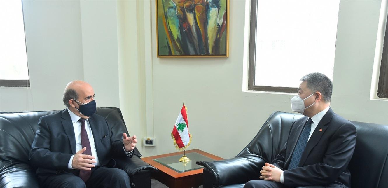 وهبه إستقبل سفير الصين في زيارة وداعية: نتمنى أن يحظى لبنان بعناية بكين اقتصاديا وسياسيا