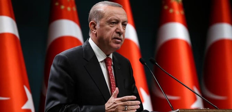 أردوغان يقيل نائب محافظ البنك المركزي.. والليرة التركية تتراجع أمام الدولار