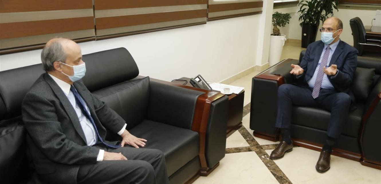 وزير الصحة تسلم هبة إسبانية لدعم جهود الوزارة في مكافحة الفيروس