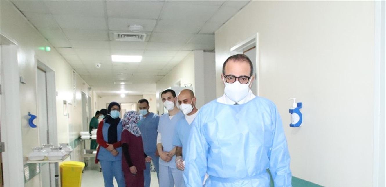'بات من الصعب إيجاد سرير لمصاب'.. مدير عام مستشفى لبناني ينبه من تخفيف الإجراءات